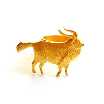 Vintage Ram Ring Gold Tone Metal Goat Aries Zodiac Sign Figural Animal Jewelry Farm Weird Strange Unique Size 6