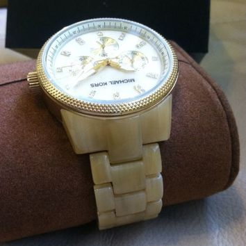 Authentic: Micheal Kors Watch (Ladies) Never Worn & No Defects.NWT.Free Shipping