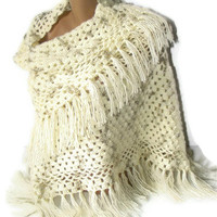 women shawl,2013 crochet trends,soft,winter,fall,spring,ivory,wedding accsessories,gifts,for her,Valentine's Day gift