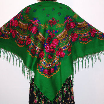 Huge green shawl with fringes Pavlovo Posad shawl Vintage Russian Shawl/ Ukrainian Shawl Folk Scarf with Tassels / Flowers Roses Bohemian