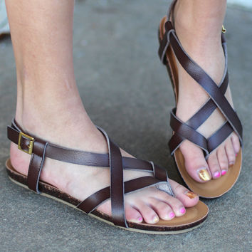 Lesly Strappy Sandals {Brown}