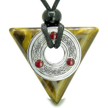 Amulet Celtic Triquetra Knot Trinity Magic Powers Triangle Protection Energies T