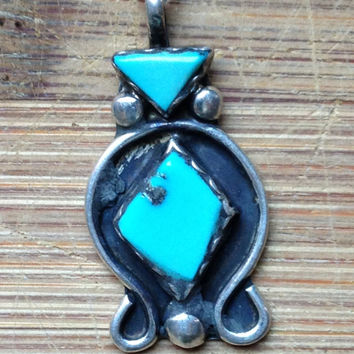 Vintage Navajo Turquoise Pendant Necklace - Native American Jewelry - Najo Silver Jewelry - Indian Turquoise Necklace - Style Boho Chic