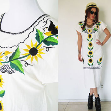 Vintage 70's sunflower hippie bohemian boho embroidered mexican ethnic tribal floral flower caftan duster summer maxi day dress