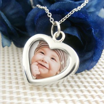 Two-Sided Heart-Shaped Photo Frame Necklace
