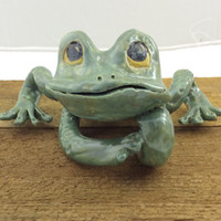 Green frog, table top, wall hanging, nature decor, garden decor, hand made, original sculpture, humerous gift,