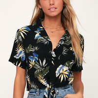 Tropical Twist Black Tropical Print Tie-Front Crop Top