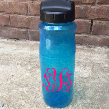 BACK TO SCHOOL! Personalized Water Bottle | Option of Monogram or Name | 6 Font Styles Available!