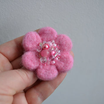 Little Needle Felted Brooch Light Pink Wool Felt Flower, Small Felt Flower Pin,Flower Brooch, Felted Flower,Corsage Brooch,Woolen Brooch