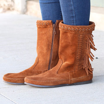 Minnetonka: Luna Fringe Boot {Brown}