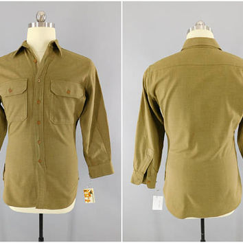 Vintage 1940s WWII Army Shirt / M37 Wool Field Shirt / GI Uniform Shirt / Od Flannel Shirt / Size M / Fitted Waist / Extra Slim / Reenactor