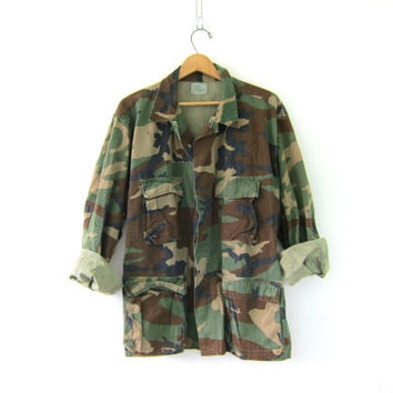 20% OFF SALE Vintage men's army shirt. United States Air Marine Core military jacket. camouflage coat