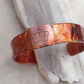 Flamed copper cuff bracelet, hammered textured flamed handforged copper band, King's crown patterned rustic copper colorful patina, handmade