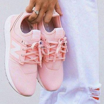 New Balance Comfortable and breathable Shoes Pink