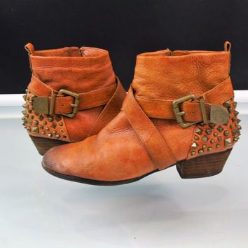 Vince Camuto Marcin Bootie Brown Leather Studded Spiked Ankle Boots Size 7.5