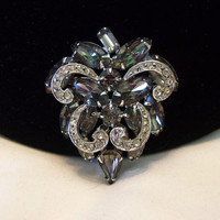 Weiss Diamante & Smoky Gray Glass Rhinestone Dimensional Vintage Geometric Brooch Pin