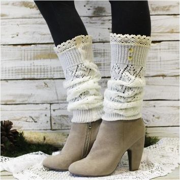 COZY lace leg warmers - ivory