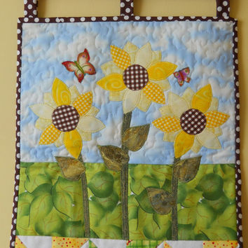 Spring Wallhanging, Sunflower patchwork, Quilted Wallhanging.