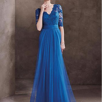 [93.42] Graceful Tulle V-neck Neckline A-line Evening Dresses With Lace Appliques - dressilyme.com