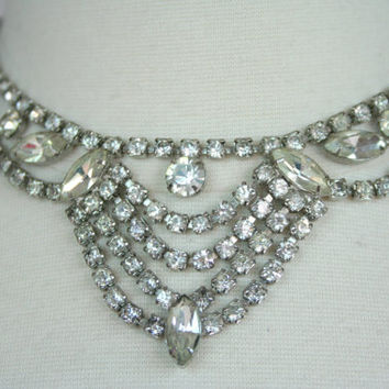 1950's rhinestone bib necklace, white diamond costume jewelry, cocktail necklace, rhinestone choker, wedding prom necklace, bling necklace