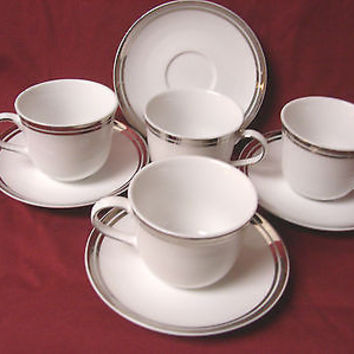 Royal Doulton, white China Dinnerware Pure Platinum, set 4 cup and saucer