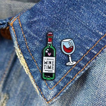 Cartoon red wine bottle red wine glass fashion personality brooch suitable as a gift hat jewelry badge to a friend as a gift