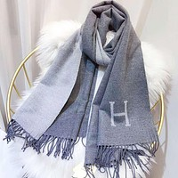Hermes New fashion h letter print women tassel warm scarf Gray