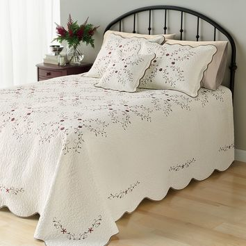 Home Classics Amelia Quilted Bedspread (White)