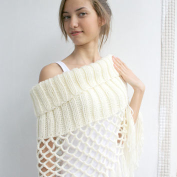 Free SHIPPING Ivory Knit Poncho Capelet  Gift under75