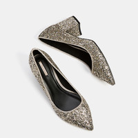 Shiny mid-heel shoes with pointed toe - SHOES - Bershka United Kingdom
