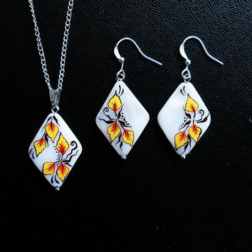 Autumn Season. Hand painted earrings and pendant