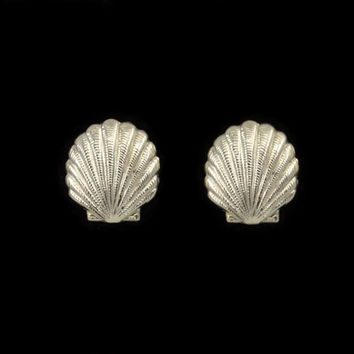 Silver Scallop Shell Magnetic Earrings