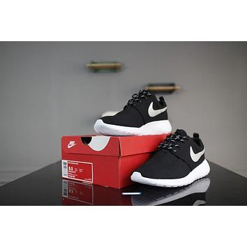 ... new list 99e44 f84a4 Nike Roshe Run One 511882-094 BlackWhite Grey  Sliver Logo Runni ... dd7845856