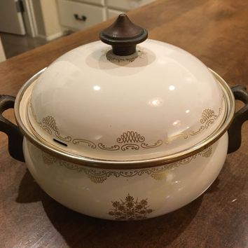 ASTA Vintage Heavy Casserole 1.5 QT Pot w/ Lid Enamel Cream / Gold Germany EUC