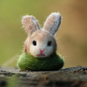 Easter Bunny, Bunny Miniature, Needle Felted Bunny, Easter Decor, Needle Felted Rabbit, Felt Ornament, Easter Gift, Cute Bunny, OOAK bunny