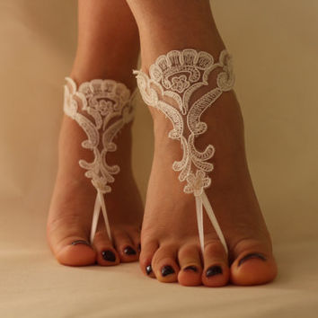 FREE SHİP Beach Wedding Barefoot Sandals, Nude shoes, Wedding Anklet, Belly Dance,İvory Lace Bridal Anklet