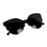 Black Retro Cat-Eyed Sunglasses