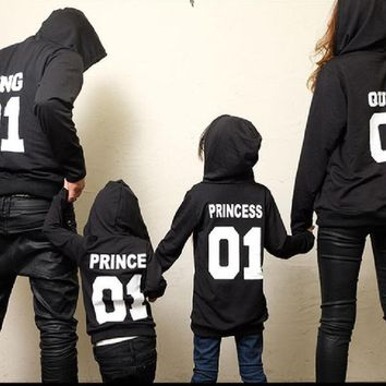 2017 Autumn Winter Couple Clothes Hoodies KING Queen Princess Prince Print Sweatshirts Lover Pullover for Man and Women Child 1-6T
