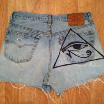 Vintage Levi's 501 button fly illuminati inspired high waisted shorts sz 29