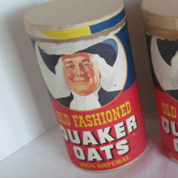 Farmhouse Table Old Fashion Quaker Oats Display Cardboard Container Vintage Cereal Advertising oatmeal Cereal Container General Store Prop