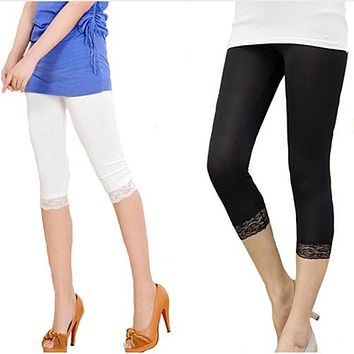 Women Elastic Lace Leggings Summer three quarter Pants bodycon jeggings big size Cropped Short Trousers Black White