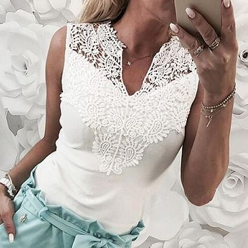 Women's solid color stitching lace v-neck T-shirt White