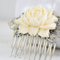 Flower Hair Comb,Flower for Hair,Antique Brass Filigree Hair Comb,Ivory Cream Flower Comb,Wedding Accessory,Shabby Chic,Bridal, Romantic