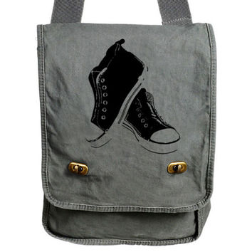Sneakers Old School Vintage Kicks Messenger Bag