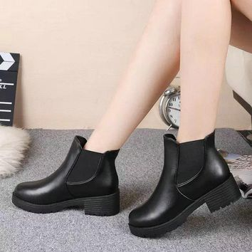 2018 Hot Style Women Boots Winter Autumn Fashion Round Head Thick Bottom Ankle Boots PU Leather Waterproof Woman Martin Boots