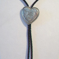 Vintage Southwestern Heart Bolo Tie Country Western Rockabilly Mens Fashion Accessories Bola