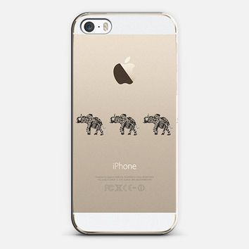 THREE ELEPHANTS BLACK Crystal Clear iPhone 6 case by Monika Strigel | Casetify