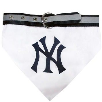 New York Yankees Dog Bandana Collar Medium