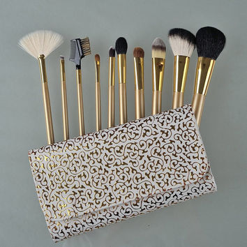 Cosmetic 10 Pcs Wool Makeup Brushes Set with Gold Pattern Brush Bag