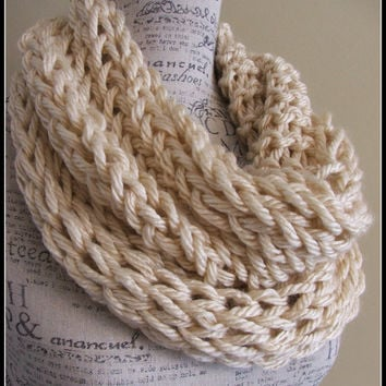 Knit Cowl. Chunky. Infinity. Scarf. Cream. Knitted Scarf. Made by Bead Gs on ETSY. Beige in color. Thick scarf. Neutral. Soft white.